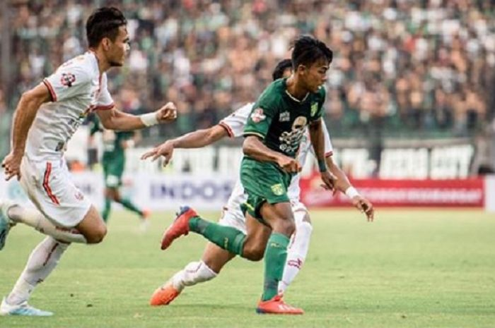 Mochamad Supriadi saat melakoni laga debut bersama Persebaya Surabaya dan di Liga 1 2019, Sabtu (24/8/2019).