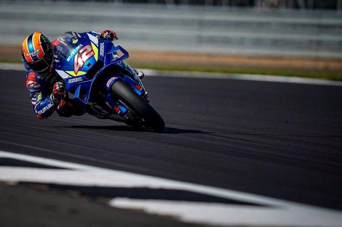 Aksi pembalap Suzuki Ecstar, Alex Rins pada balapan MotoGP Inggris 2019, Minggu (25/8/2019)