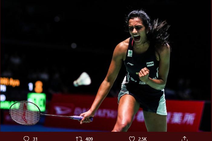 Pusarla Venkata Sindhu (PV Sinhu) berselebrasi saat melakoni final Kejuaraan Dunia 2019, di St. Jakobshalle Basel, Swiss, Minggu (25/8/2019).