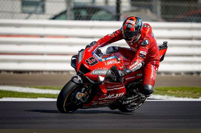 Pembalap Mission Winnow Ducati, Danillo Petrucci, ketika beraksi di Sirkuit SIlverstone, Inggris (24/8/2019)