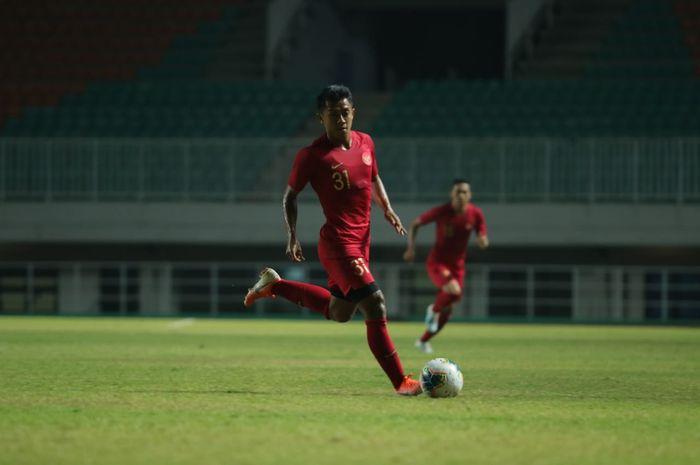 Aksi Febri Hariyadi saat membela timnas Indonesia kontra Persika Karawang di Stadion Pakansari, Kabupaten Bogor, Minggu (25/8/2019).