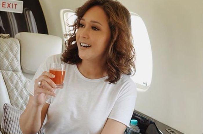 Maia Estianty Terbang Pakai Jet Pribadi yang Penuh Makanan 6 Jam Sekali, Warganet: 'Itu Pesawat Atau Taksi!'