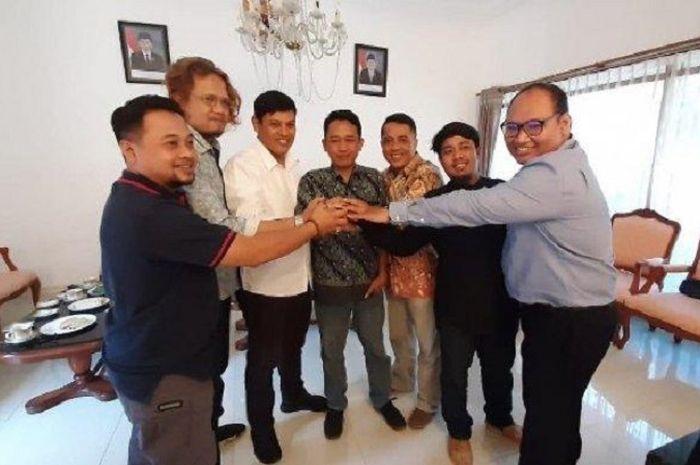 Rekonsiliasi suporter PSIM Yogyakarta dari ordo Brajamusti dengan pendukung Persik Kediri, Rabu (4/9/2019)
