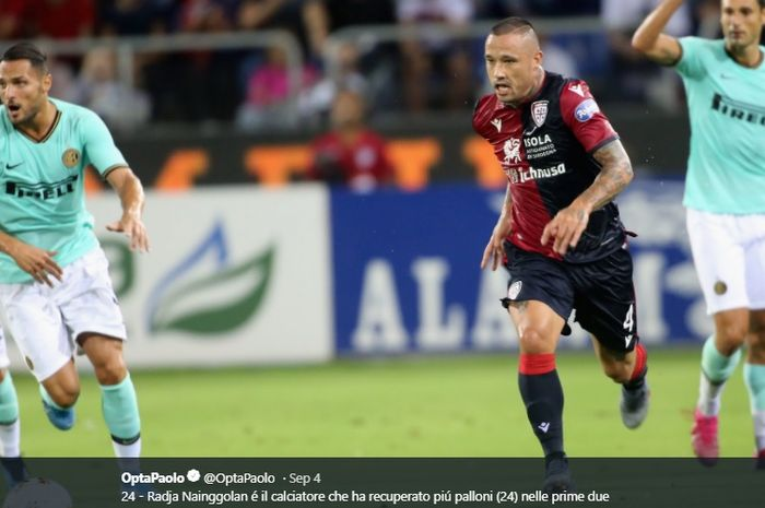 Gelandang pinjaman Inter Milan yang kini bermain untuk Cagliari, Radja Nainggolan.