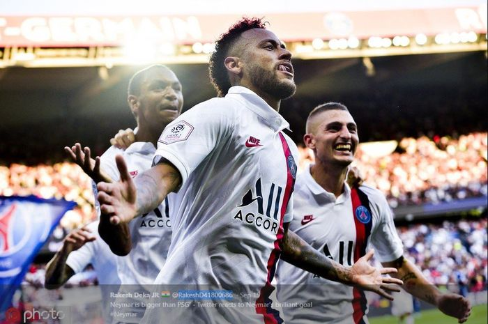 Neymar merayakan golnya untuk PSG.