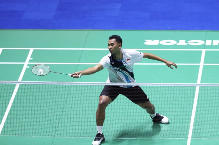 Pebulu tangkis tunggal putra Indonesia, Tommy Sugiarto, menjalani babak pertama China Open 2019 di Olympic Sports Center Gymnasium, Changzhou, China, Selasa (17/9/2019).