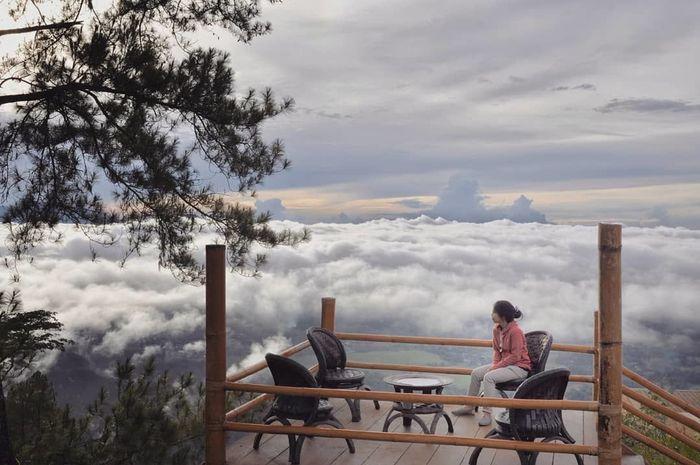 Sedang Viral Ini Dia 10 Lokasi Wisata Negeri Di Atas Awan