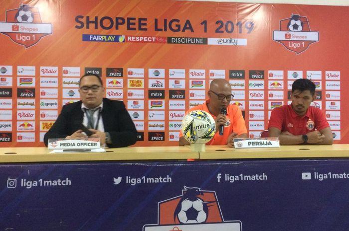 Pelatih Persija Jakarta, Sudirman, dan Heri Susanto, selepas melawan Barito Putera