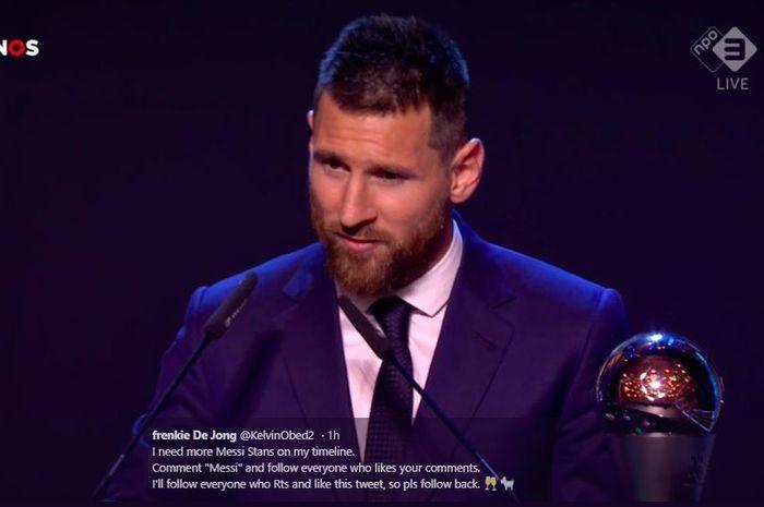 Megabintang Barcelona, Lionel Messi, saat memenangi penghargaan FIFA Best Men Player 2019.