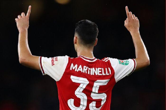 Gabriel Martinelli mewarnai laga debutnya bersama Arsenal sejak menit awal dengan menorehkan dua gol.
