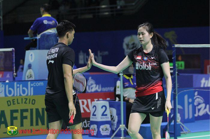Pasangan ganda campuran, Alfian Eko Prasetya/Angelica Wiratama, memetik kemenangan pada babak 16 besar Indonesia Masters 2019 di GOR Ken Arok, Malang, 3 Oktober 2019.