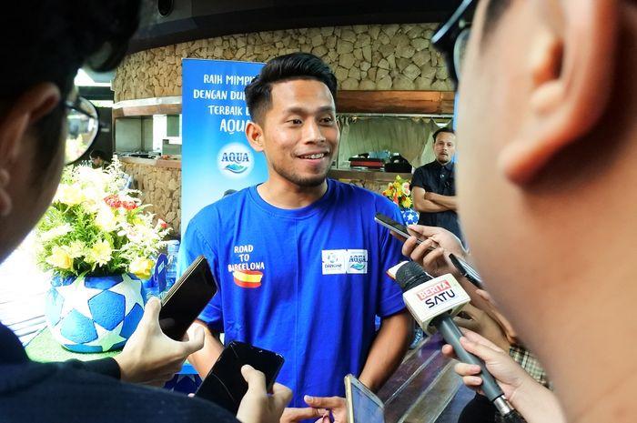 Winger timnas Indonesia, Andik Vermansah saat memberikan keterangan untuk sebuah ajang festival sepak bola U-12 di Kuningan, Jakarta Selatan, 2 Oktober 2019.