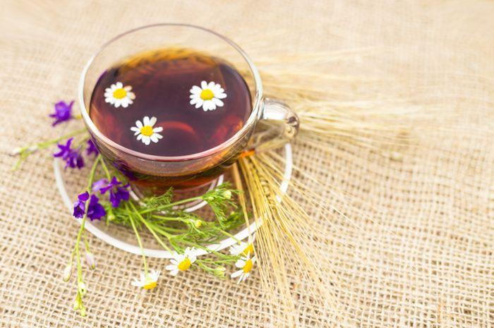 Manfaat teh chamomile untuk kesehatan.