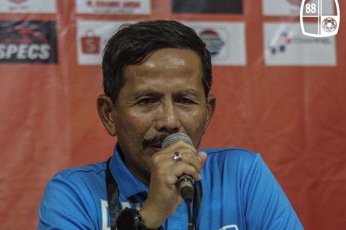 Pelatih Barito Putera, Djadjang Nurdjaman alias Djanur, memberikan keterangan saat sesi konferensi pers pertandingan Liga 1 2019.
