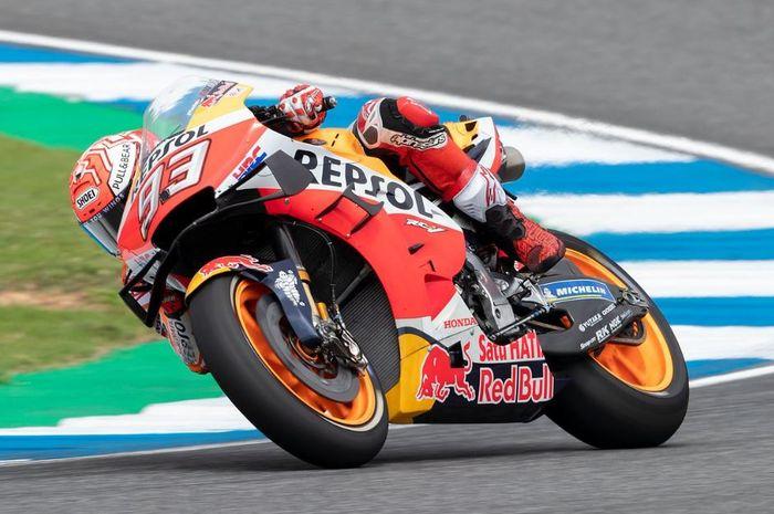 Aksi pembalap Repsol Honda, Marc Marquez pada sesi balapan MotoGP Thailand 2019, Minggu (6/10/2019)