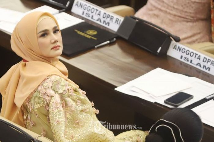 Kena Tuntut Rp 10 M Padahal Belum Seminggu Jadi Anggota DPR, Mulan Jameela Disebut Ogah Bayar Tuntutan