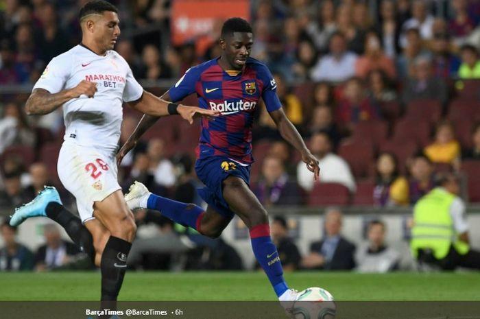 Winger Barcelona, Ousmane Dembele, dijatuhi hukuman kartu merah usai dianggap berbicara kasar kepada wasit pada laga Barcelona kontra Sevilla di Camp Nou, Minggu (6/10/2019).