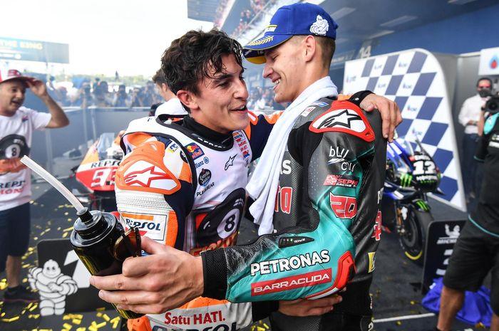 Marc Marquez dan Fabio Quartararo di parc ferme MotoGP Thailand 2019
