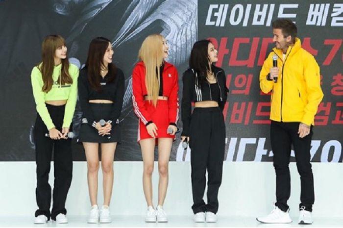 Personil Blackpink, Lisa, Jisoo, Rose, dan Jennie bertemu dengan David Beckham dalam acara Adidas.