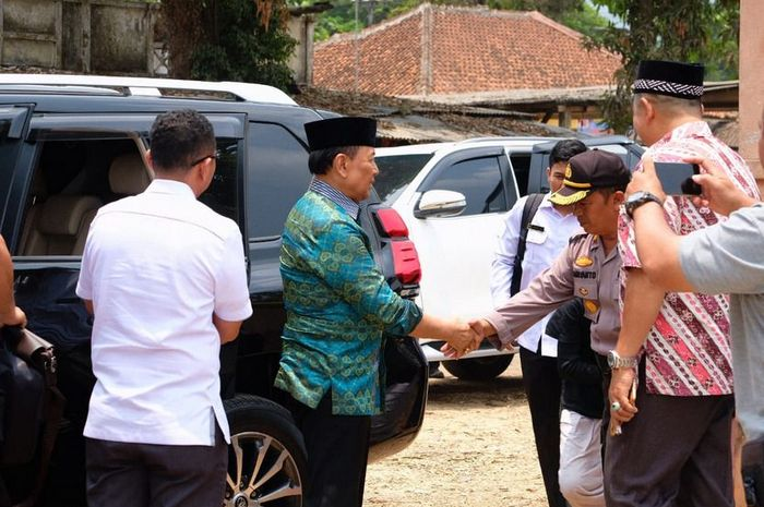 Menkopolhukam Wiranto saat melakukan kunjungan kerja ke Pandeglang, Banten.