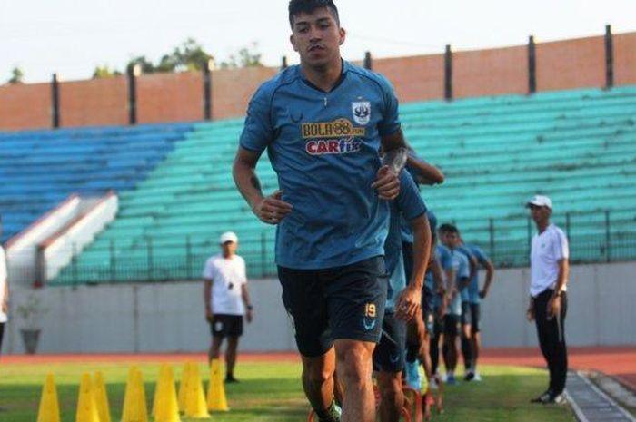 Gelandang PSIS Semarang, Jonathan Cantillana, saat mengikuti latihan PSIS Semarang.