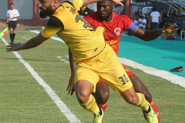 Striker Barito Putera, Francisco Torres, saat membela timnya bertanding pada putaran kedua Liga 1 2019.