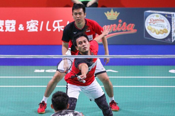 Ganda putra Indonesia, Mohammad Ahsan/Hendra Setiawan, tampil pada babak semifinal Denmark Open 2019 di Odense Sportspark, Odense, Denmark, Sabtu (19/10/2019).