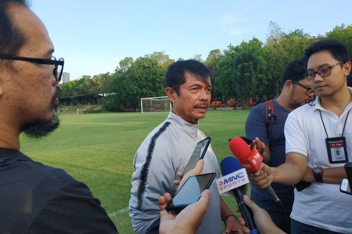 Pelatih timnas U-23 Indonesia, Indra Sjafri di Lapangan G, Senayan, Jakarta, Senin (21/10/2019).