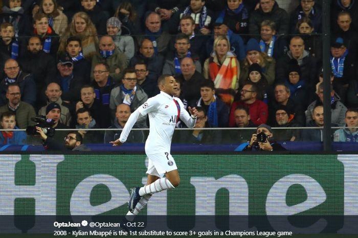 Aksi penyerang Paris Saint-Germain, Kylian Mbappe, ketika membobol gawang  Club Brugge pada matchday ketiga Liga Champions 2019-2020, Rabu (23/10/2019).