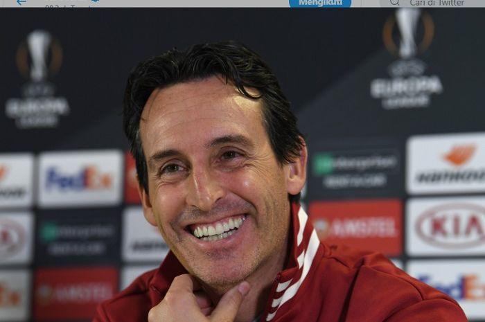 Pelatih Arsenal, Unai Emery berbicara pada konferensi pers ketika akan menjamu Vitoria SC pada ajang Liga Europa, Kamis (24/10/2019).