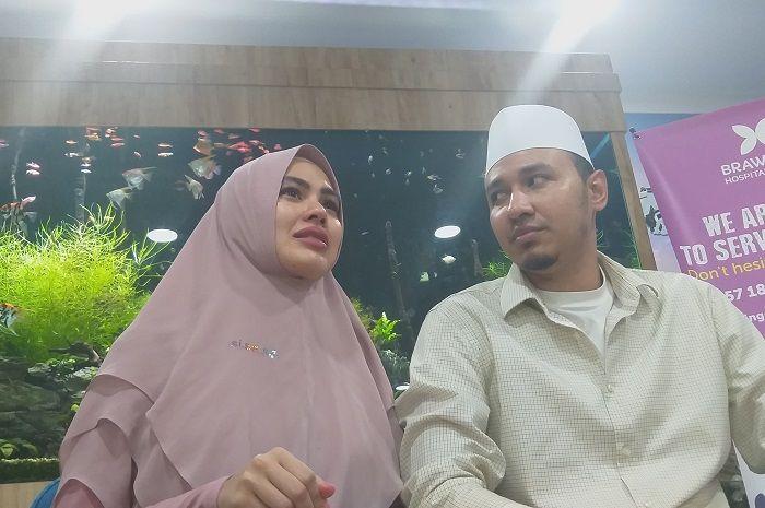 Kartika Putri saat ditemui Grid.ID bersama Habib Usman bin Yahya di kawasan Rumah Sakit Brawijaya, Jakarta Selatan, Minggu (27/10/2019).
