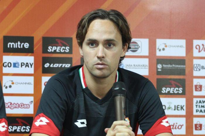 Pelatih Bhayangkara FC, Paul Munster.