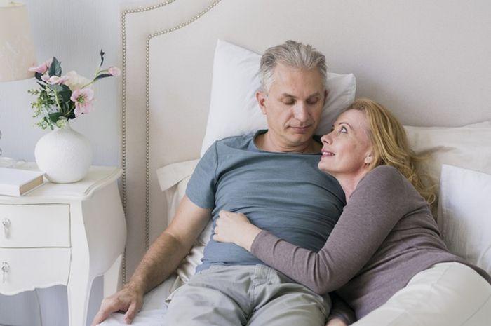 50 tahun tetap ingin berhubungan seks