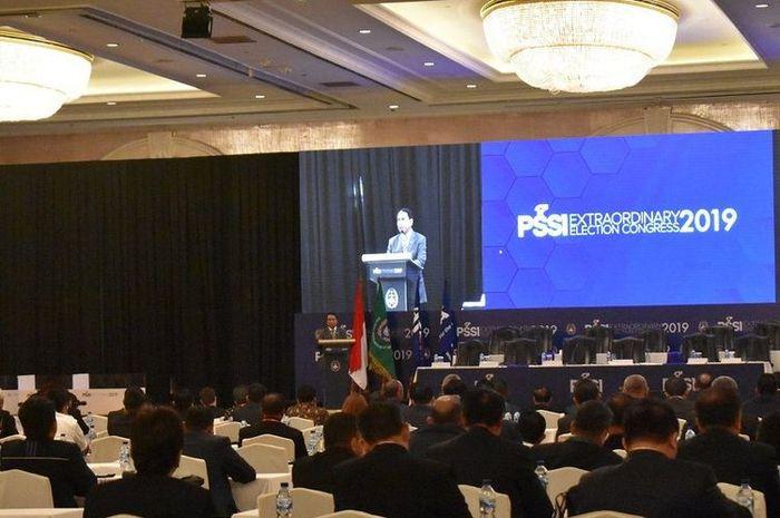 Menpora Zainudin Amali saat memberikan sambutan sekaligus membuka acara Kongres Luar Biasa PSSI di Shangri-La Hotel, Jakarta, pada Sabtu (2/11/2019).