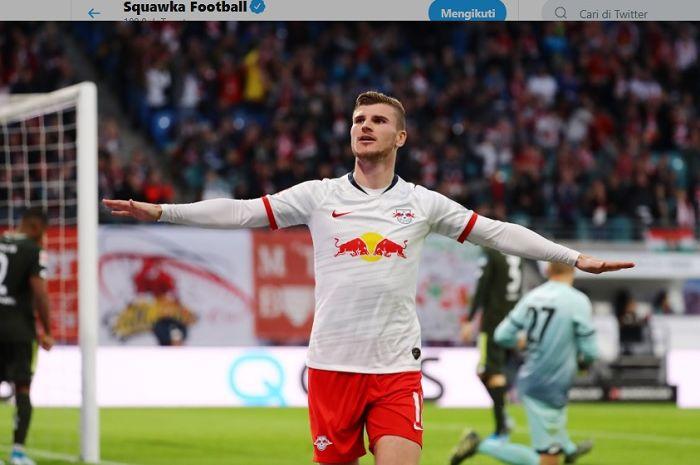 Penyerang RB Leipzig, Timo Werner tampak merayakan golnya pada pertandingan melawan Mainz pada Sabtu (2/11/2019). Pada laga tersebut, Werner sukses mencetak tiga gol dan tiga assist.