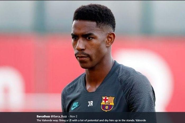 Bek Barcelona, Junior Firpo.