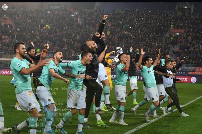 Pemain Inter Milan merayakan kemenangan.