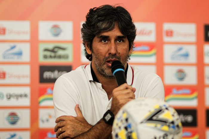 Pelatih Bali United, Stefano Cugurra.