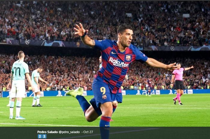 Selebrasi penyerang Barcelona, Luis Suarez, kala menjebol gawang Inter Milan pada laga matchday kedua Liga Champions di Camp Nou.