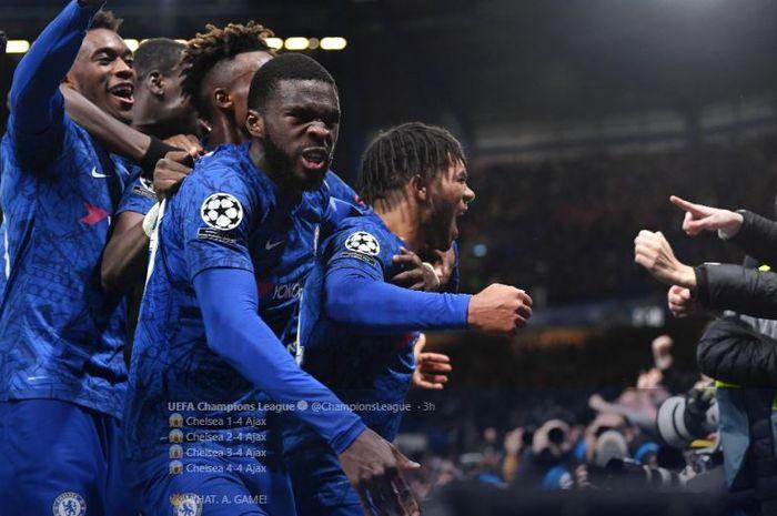 Para pemain Chelsea merayakan gol Reece James pada laga Liga Champions kontra Ajax Amsterdam di Stadion Stamford Bridge, 5 November 2019.