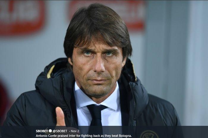 Ekspresi pelatih Inter Milan, Antonio Conte, sewaktu timnya menghadapi Bologna.
