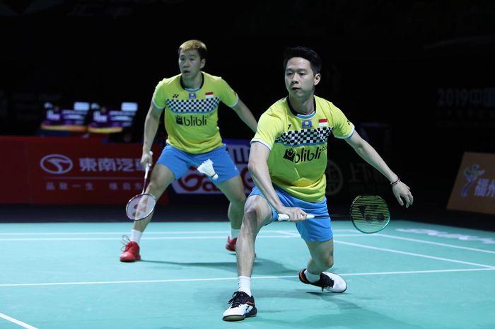 Pasangan ganda putra Indonesia, Marcus Fernaldi Gideon/Kevin Sanjaya Sukamuljo, pada semifinal Fuzhou China Open 2019 di Haixia Olympic Sports Center, Sabtu (9/11/2019).