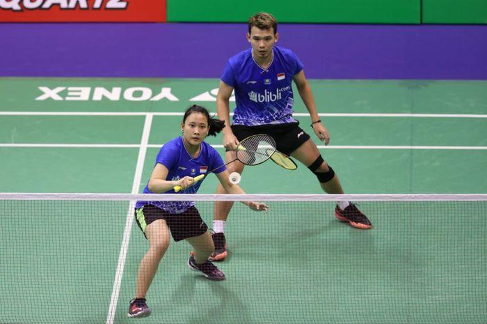 Pasangan ganda campuran Indonesia, Rinov Rivaldy/Pitha Haningtyas Mentari, pada babak pertama Hong Kong Open 2019 di Hong Kong Coliseum, Selasa (12/11/2019).