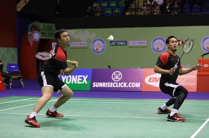 Ganda putra Indonesia, Mohammad Ahsan/Hendra Setiawan, tampil pada final Hong Kong Open 2019 di Hong Kong Coliseum Arena, Minggu (17/11/2019).