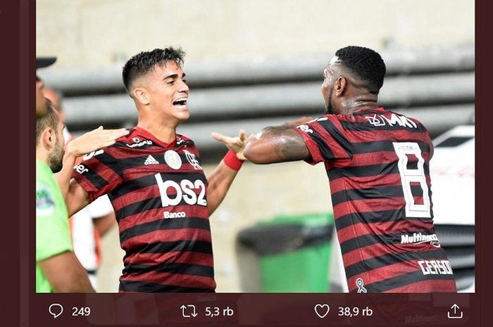 Pemain Flamengo, Reinier Jesus (kiri) telah menjadi bidikan Arsenal setelah puas dengan pemain muda Brasil.