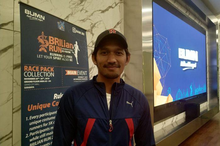 Influencer sekaligus aktor, Ibnu Jamil, menghadiri konferensi pers BRIlian Run 2019 yang digelar di Brilian Center, Jakarta, Rabu (20/11/2019).