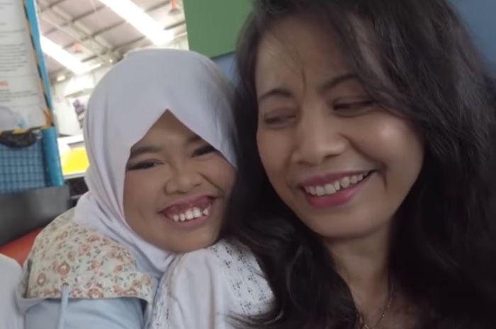 Kekeyi Putri dan ibunya