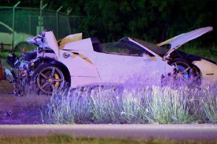 Mobil Errol Spence Jr usai kecelakan brutal