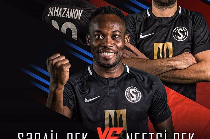 Iklan laga Sabail FK kontra Netchi FC pada lanjutan Liga Azerbaijan untuk pekan depan yang menampilkan salah satunya pemain asing mereka, Michael Essien (depan).