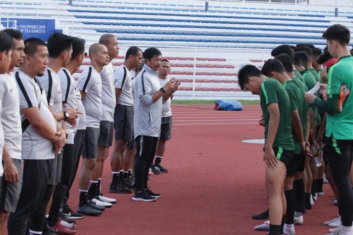 Pelatih timnas U-22 Indonesia, Indra Sjafri, memimpin pasukannya untuk berlaga di SEA Games 2019 Filipina